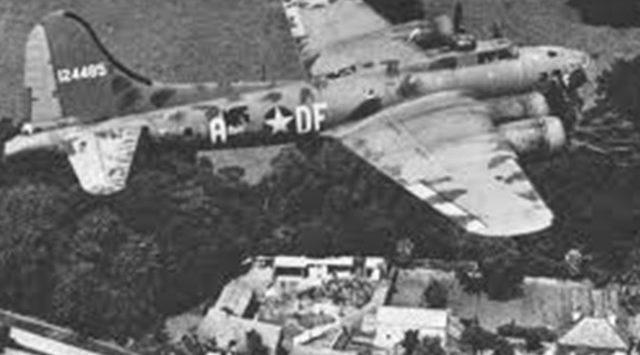 Restored World War II bomber to fly Wichita skies