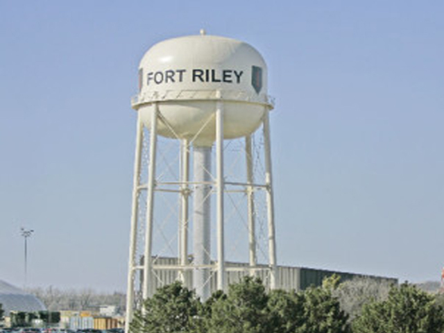 Fort Riley Chopper Makes Emergency Landing