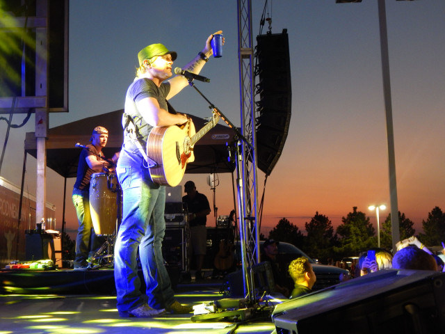 PHOTOS: Country Stars Live From the Lot