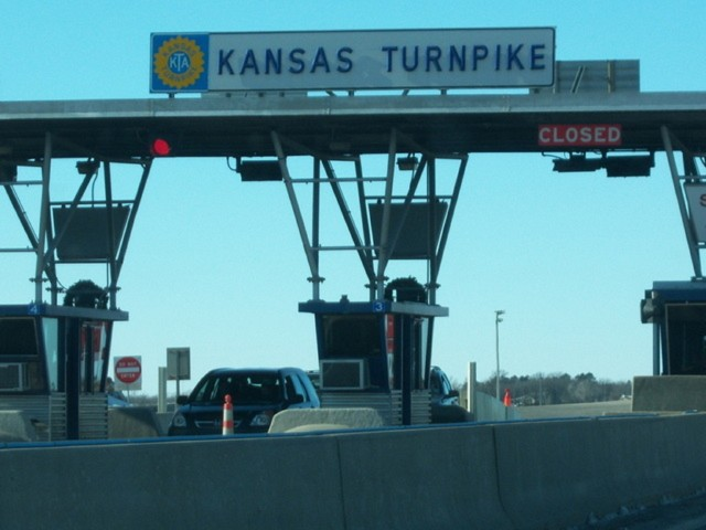 Kansas Turnpike to Use Video Enforcement in Some K-Tag Lanes