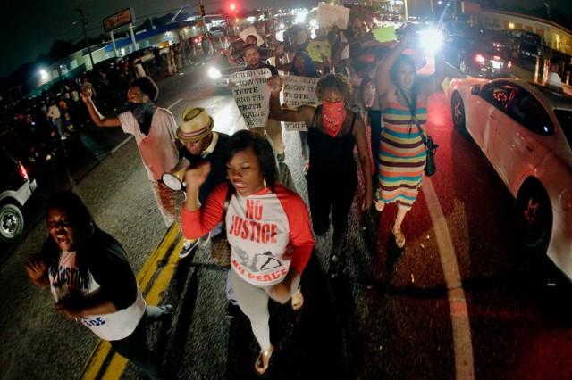 Ferguson protest disrupts huge St. Louis-area mall