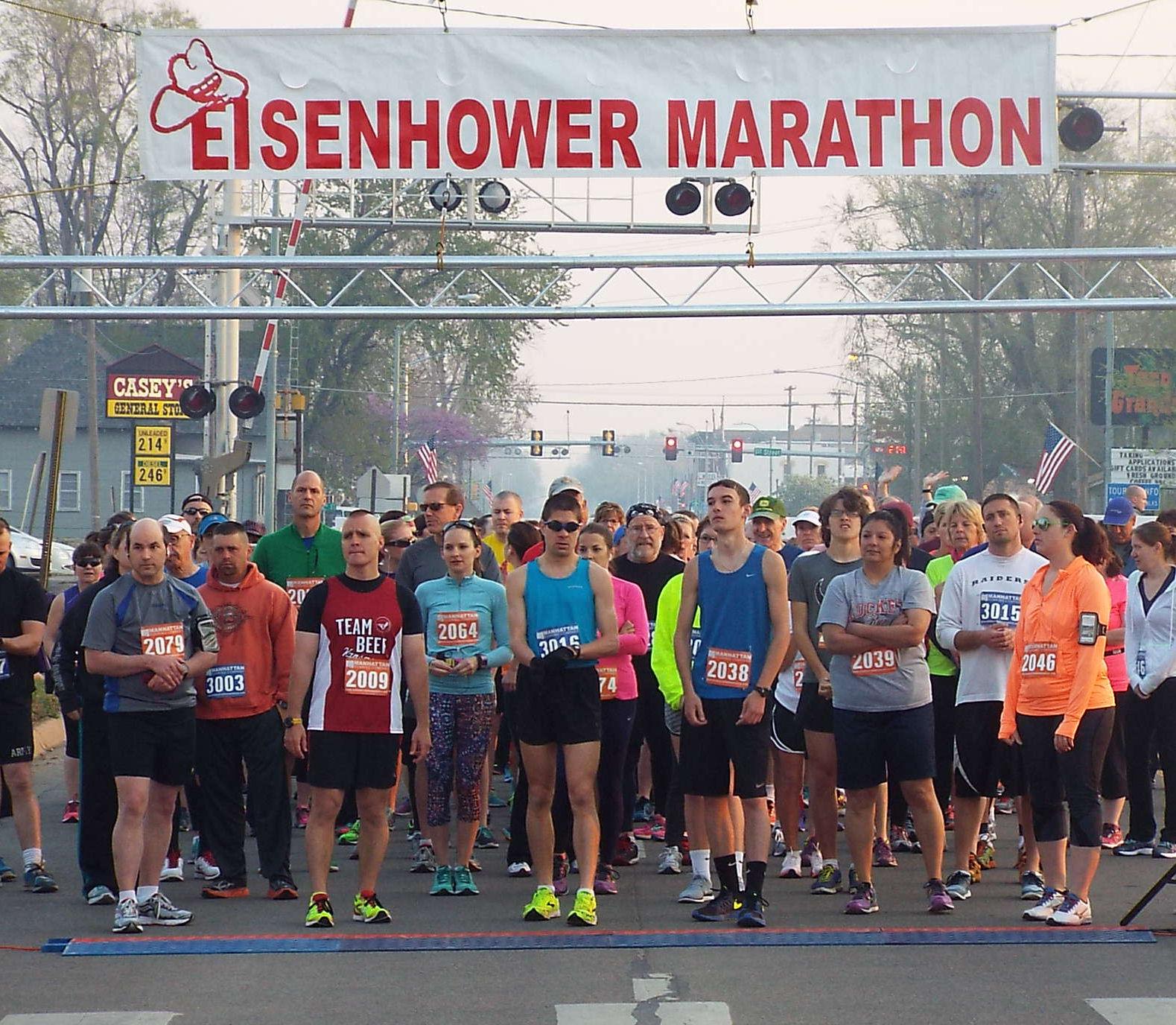 Runners receive final instructions.