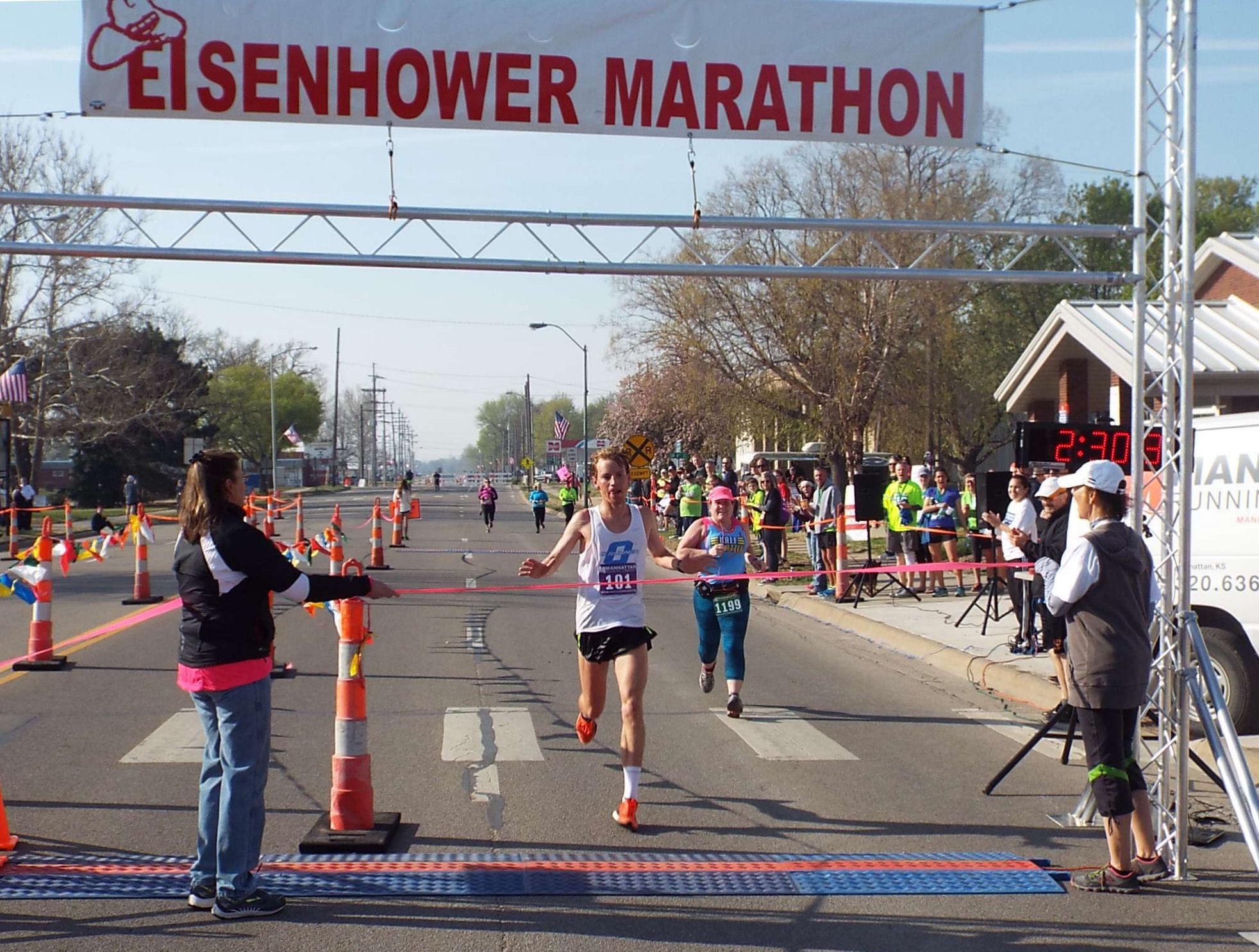 Scott Downard wins the men's marathon.
