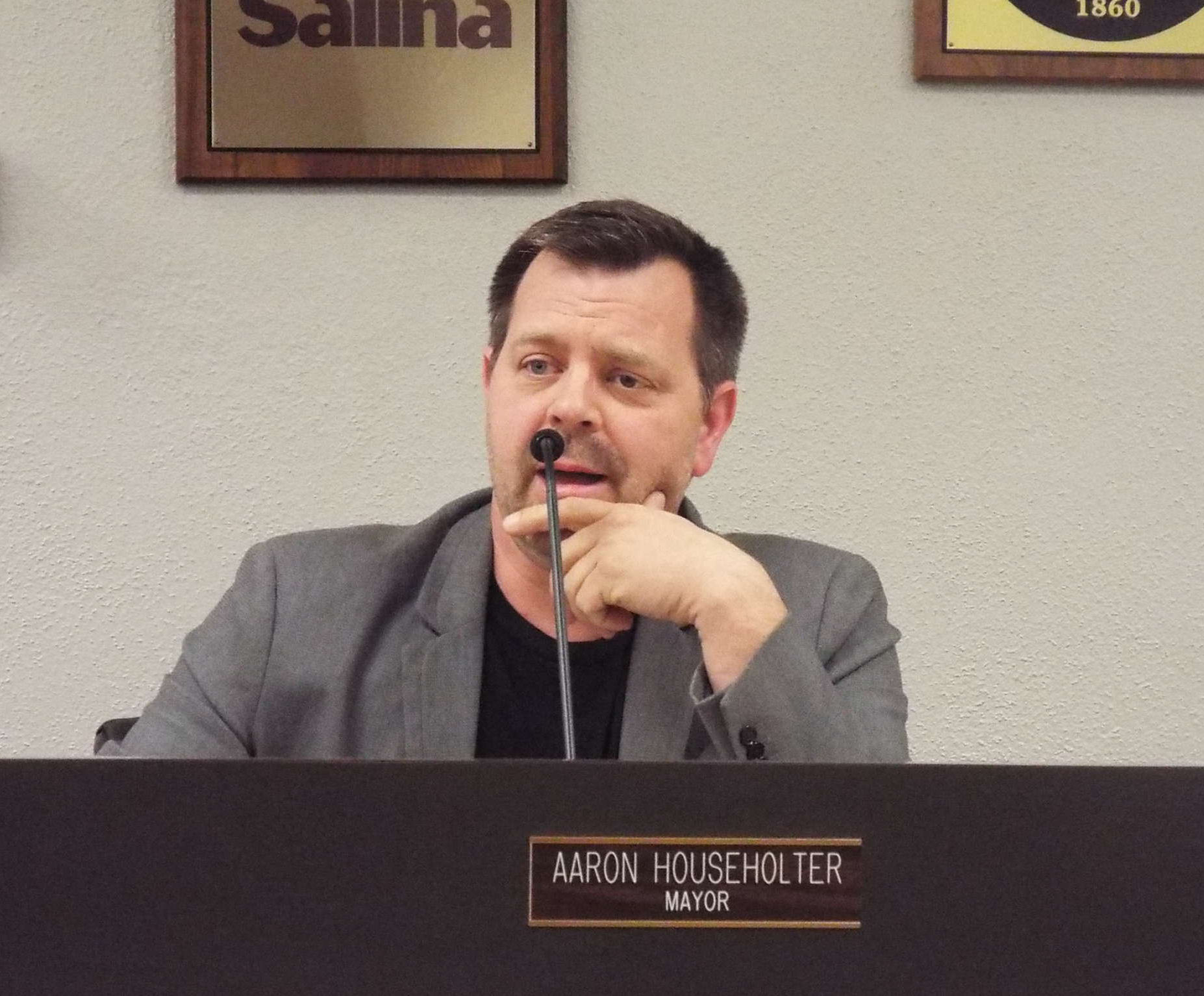 VIDEO: Householter to Run For City Commission