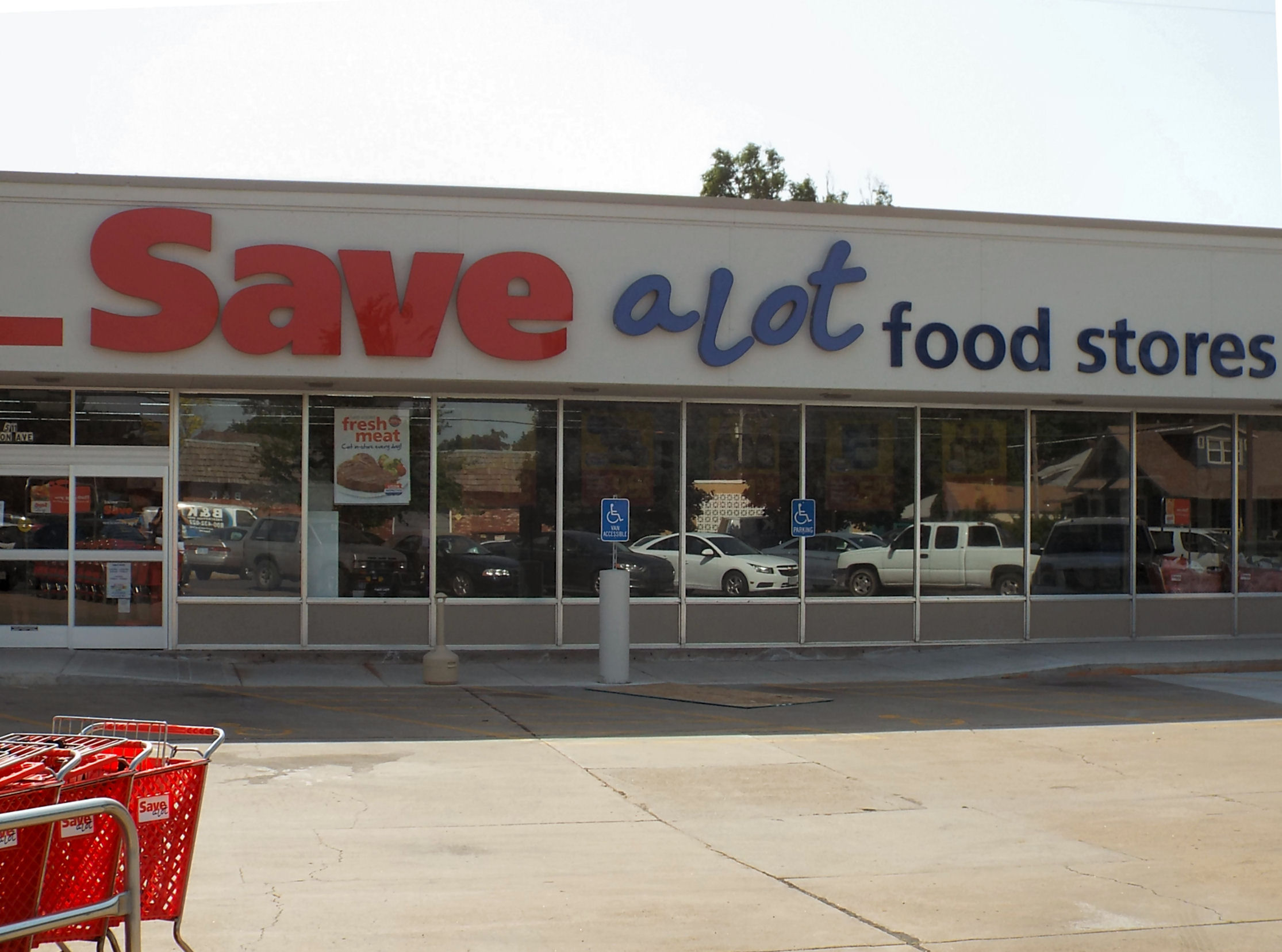 Save a Lot Set To Open