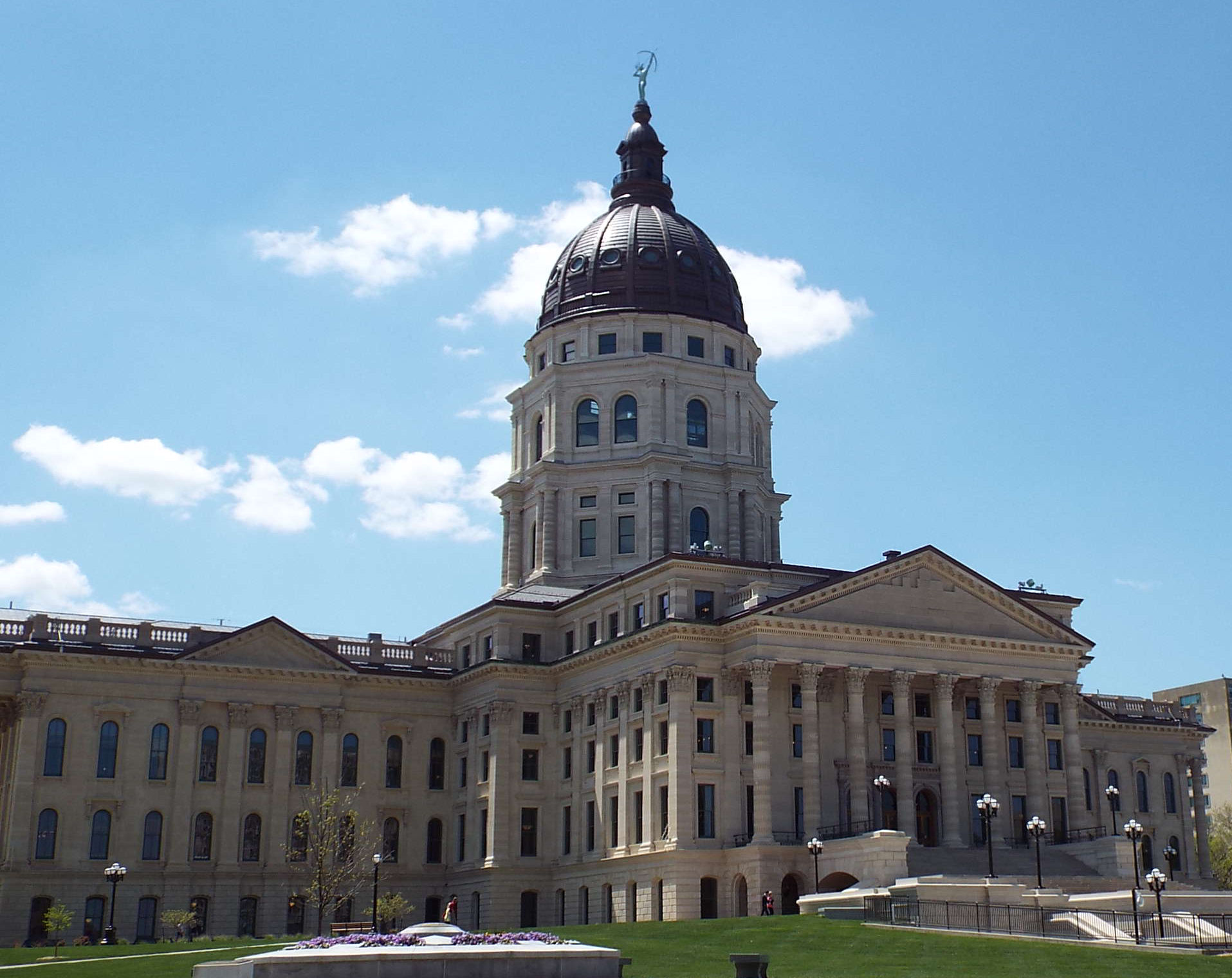 Republican Lawmakers in Kansas Struggle with School Funding