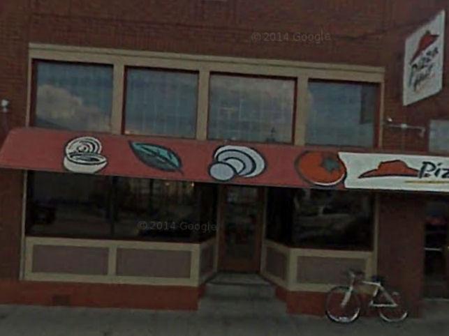 Oldest Pizza Hut Closing In Manhattan
