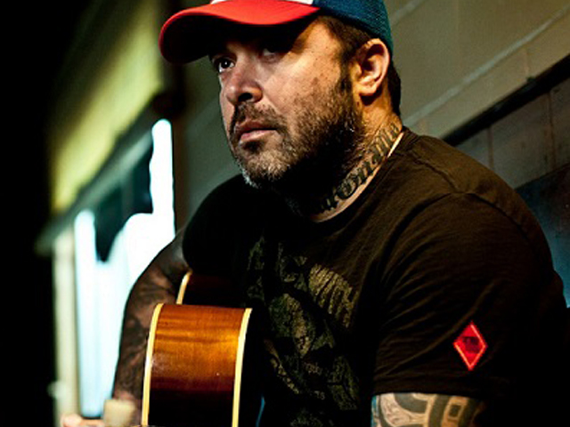 Road Leads Aaron Lewis to Stiefel Theatre