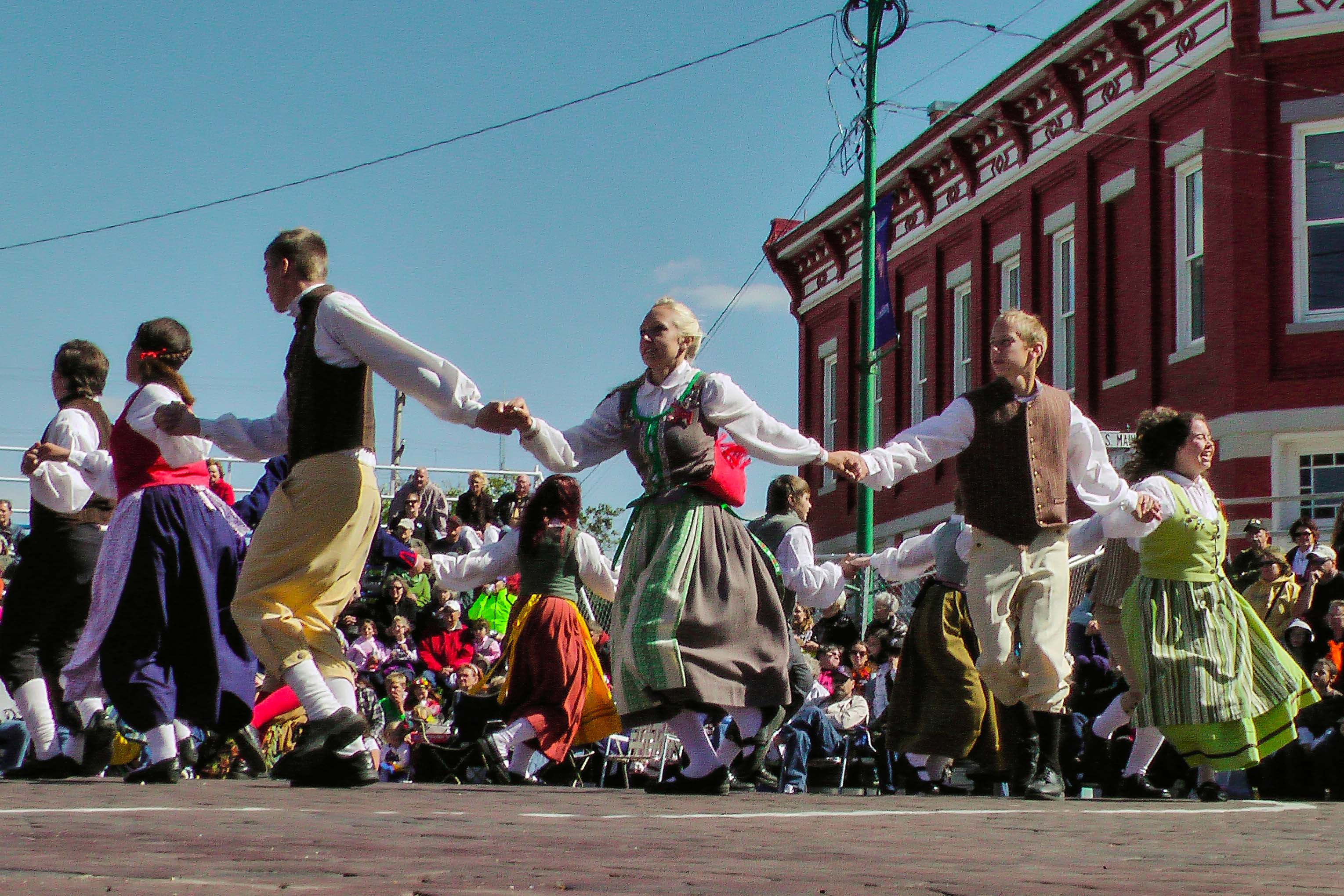 Lindsborg to Party Like It's 1941