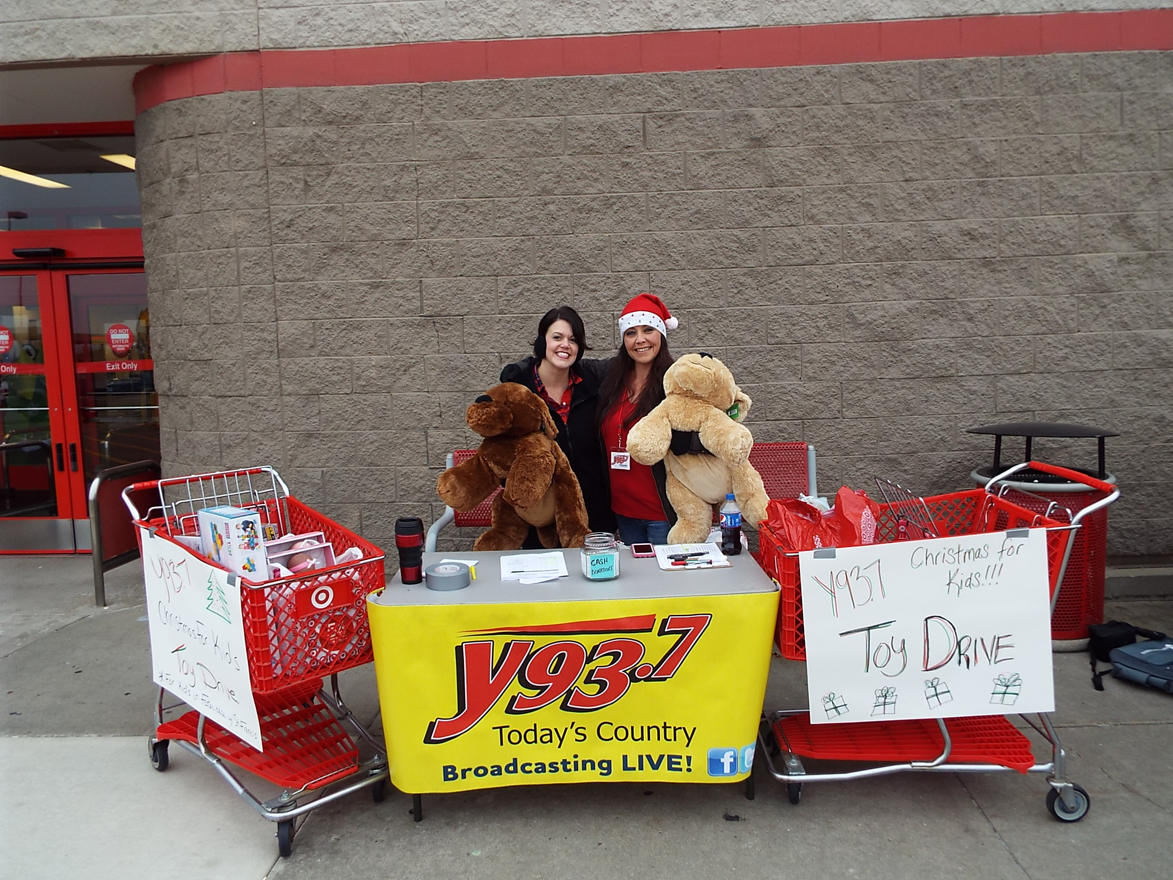 "Toy Drive Ensures ""Christmas For Kids"""