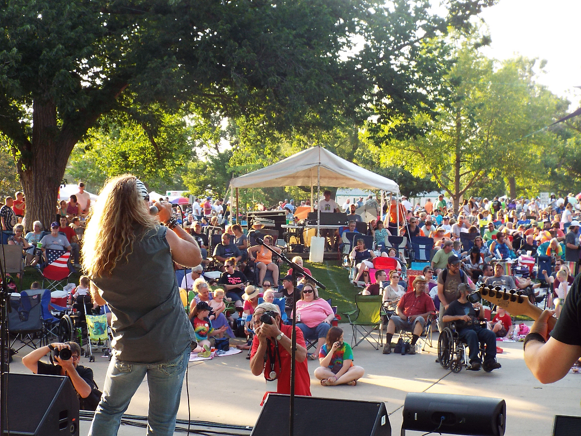 Jam Opens 40th Smoky Hill River Festival