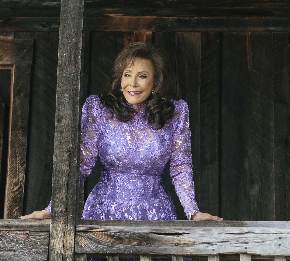 Loretta Lynn Coming to Salina