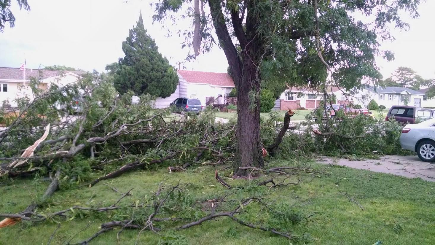 Damaging Storms Bring 80-MPH-Wind