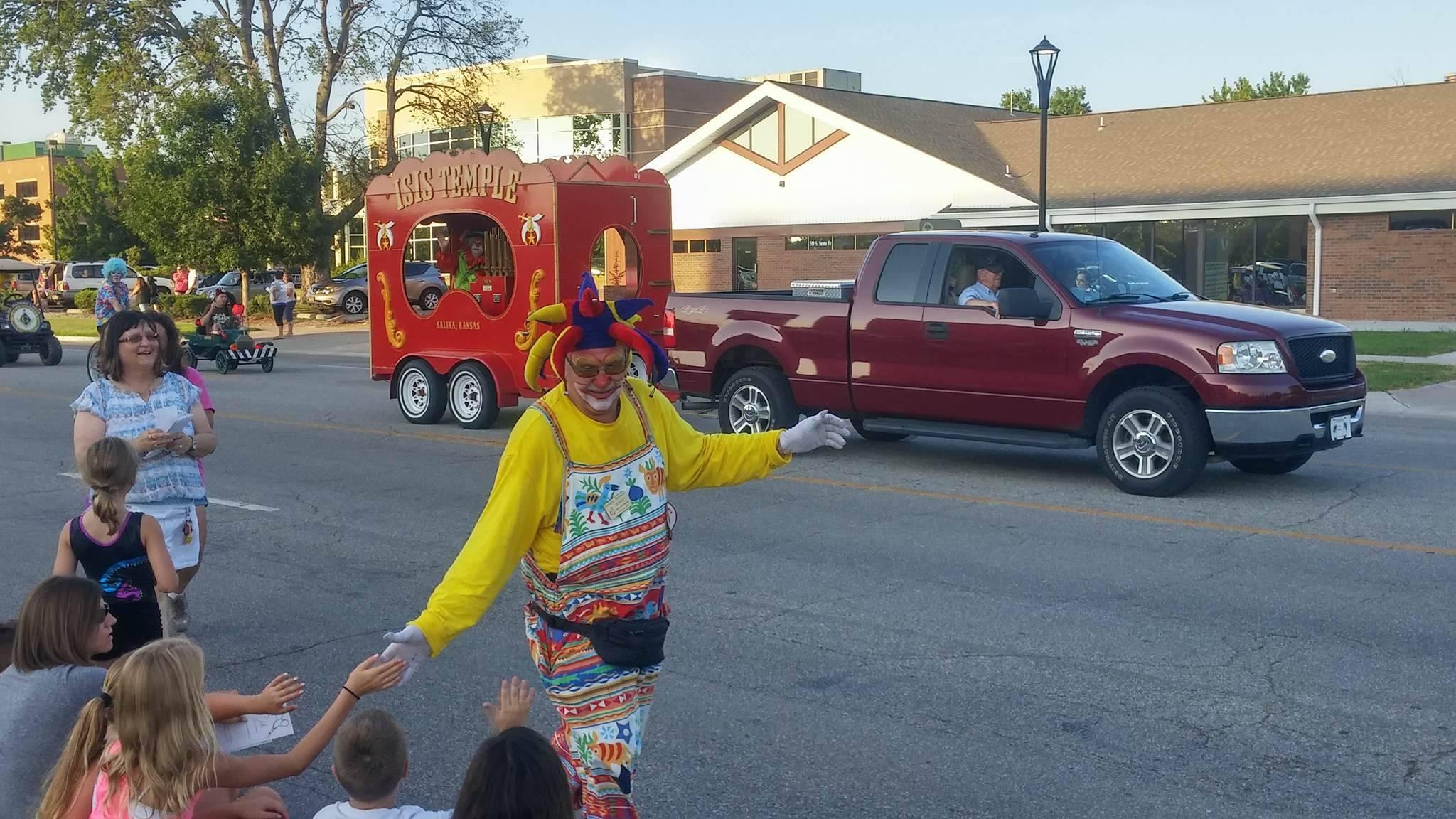 Parade Opens Tri-Rivers Fair Week
