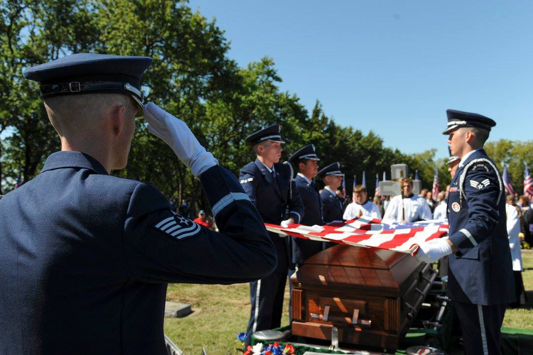 Maj. Dean Klenda is  laid to rest. (US Air Force photo)