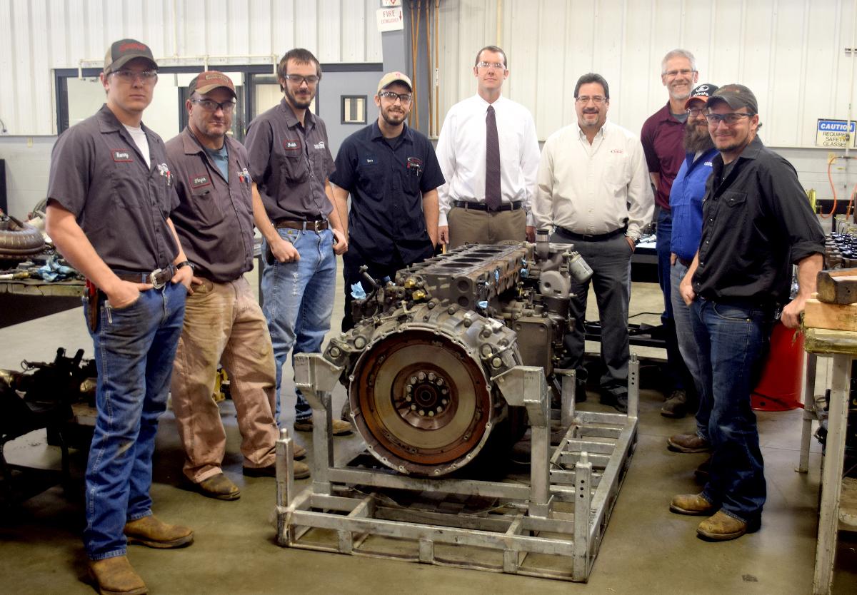$40,000 Kenworth Engine Donated to Salina School