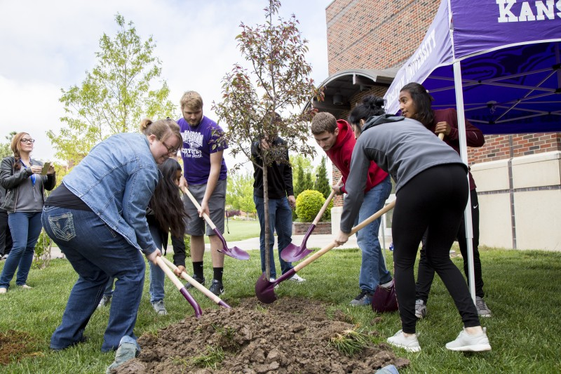 Students Dig Into Tree Planting on Arbor Day
