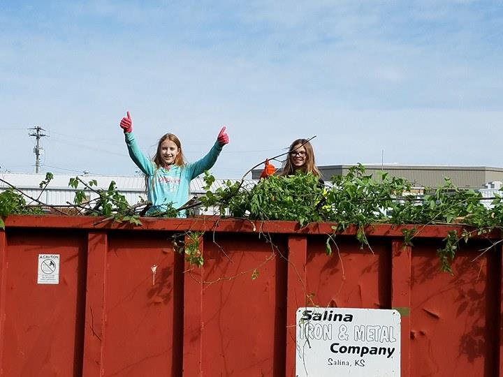 Salina Spruces Up For Earth Day