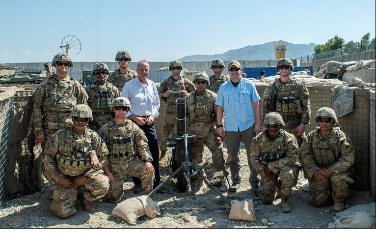 Moran Meets With Deployed Kansas Soldiers