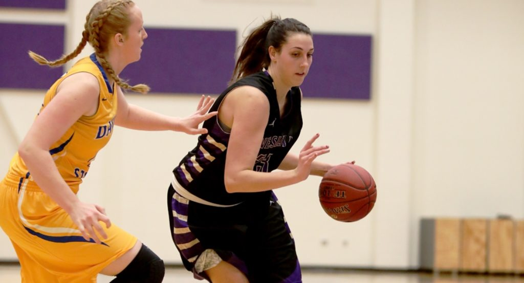 Wesleyan Women Hang on for 1st Road Win, Men Plagued by Turnovers