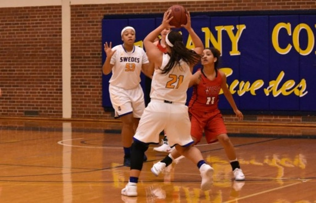 Bethany Women Capture Overtime Victory, Men Fall